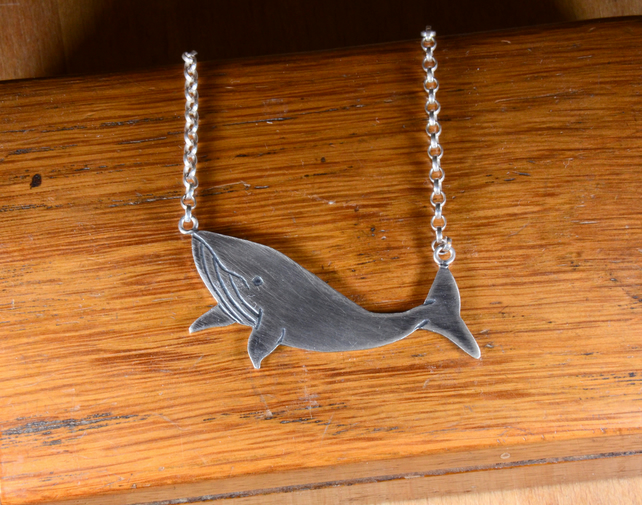 Sterling silver humpback whale pendant