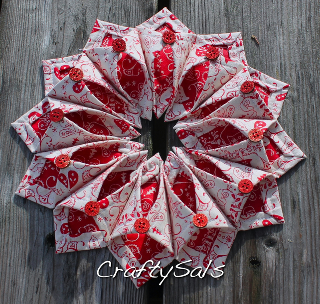 Red And White Christmas Wreath.Red And White Christmas Wreath Table Decoration