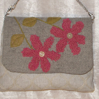 Handbag,  light beige  with pink  wool detail