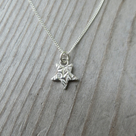 Patterned Star Necklace Tiny