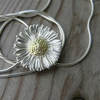 Daisy Necklace Large.