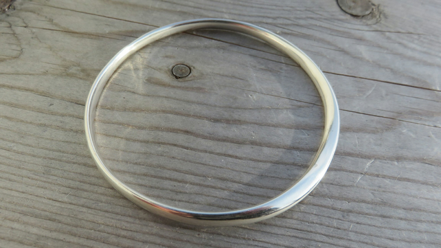 Mobius Loop Bangle