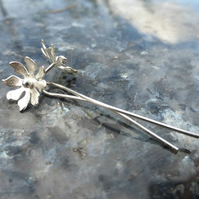 Long stemmed Daisy Earrings