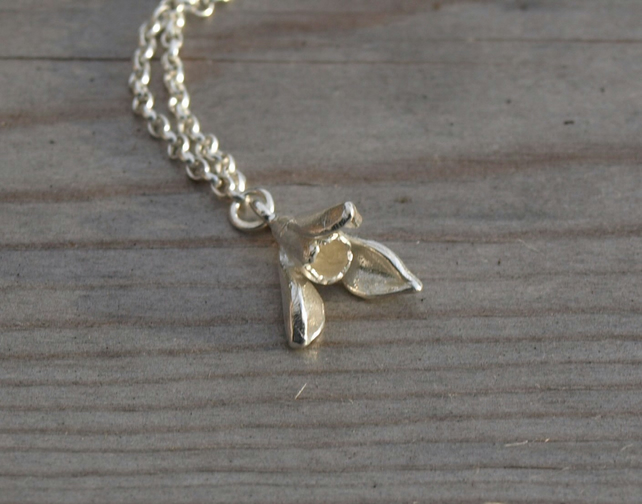 Snowdrop Necklace Small