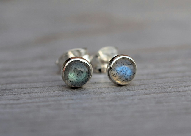 Labradorite stud earrings 5mm
