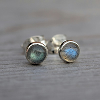 Labradorite stud earrings 4mm
