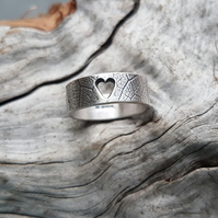 Leaf Heart Ring size I