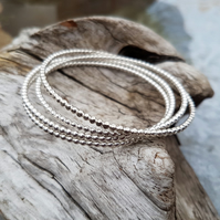 1 Stacking bangle 2.5mm
