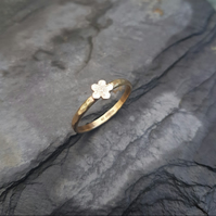 9ct Gold Forget-Me-Not Ring Q R