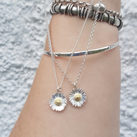 Daisy Necklace Small
