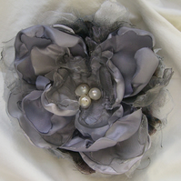 Pale Grey Flower Hair Clip Duo. Hair Fasinator.