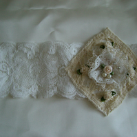 Romantic Ivory  and cream Vintage Style Garter