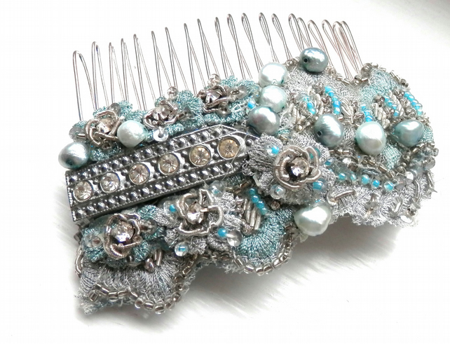 Vintage 3 inch blue hair comb