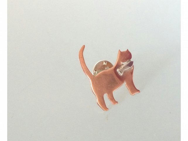 """The Mighty Hunter"" cat brooch"