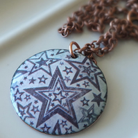 Stars, blue and white enamelled pendant