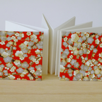 Mini square accordion photo album 3 x 3 - square book - red flowers