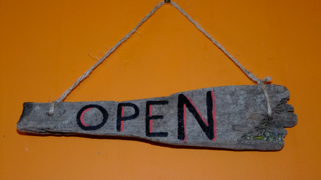 OPEN & CLOSED SHOP DOOR SIGN HANDCRAFTED ON CORNISH DRIFTWOOD