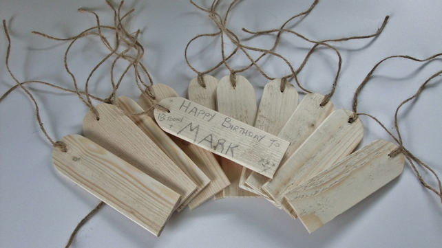10 wooden gift tags or labels for tying onto birthday or Christmas presents.