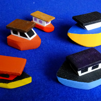 5 little wooden fishing boats for children to play with using imaginative fun