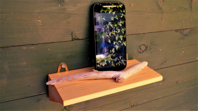 LITTLE WOODEN SHELF TO HOLD I PHONE MOBILE TELEPHONE TRINKETS