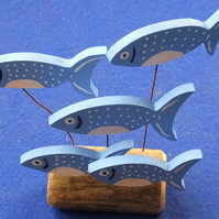 SHOAL OF 5 BLUE & WHITE FISH ORNAMENT MADE FROM NATURAL DRIFTWOOD FROM CORNWALL