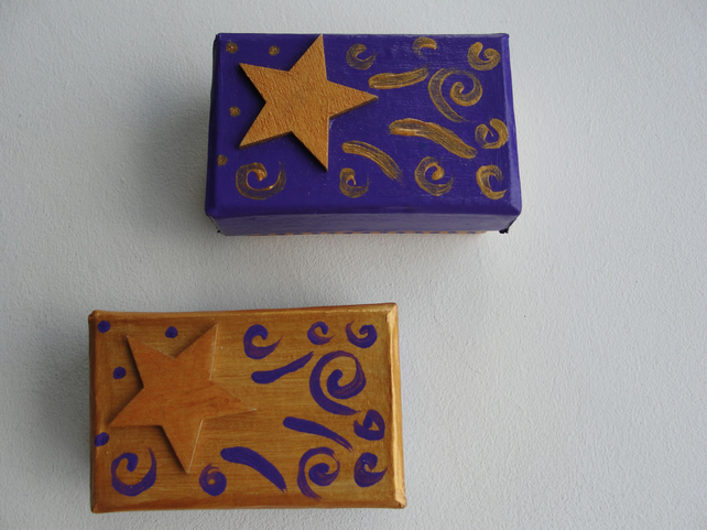 Set of 2 BOXES Gold and Purple mix and match lids with needle-felt insert