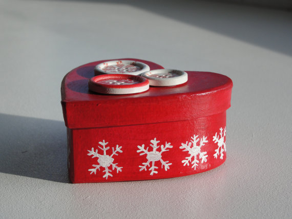 CHRISTMAS Gift Box or Trinket Box - RED HEART