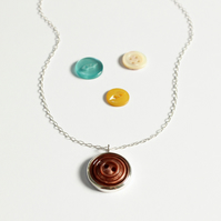 Vintage button necklace, retro style