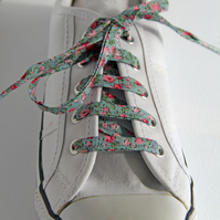 Pretty Retro Grey and Pink Rosebud Floral Patterned Cotton Shoelaces. Great Gift