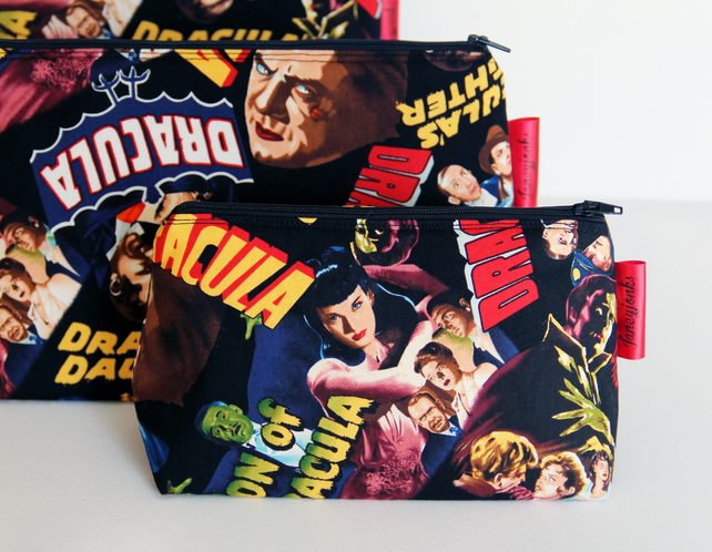 Retro Vintage Style Classic Dracula Horror Film Make-up or Grooming Kit Bag
