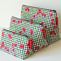 Retro Kitsch Gingham Cherries Medium Wash Bag. Great Gift for Ladies