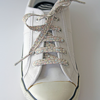 Pretty Retro Mushroom Posy Floral Patterned Cotton Shoelaces. Great Gift