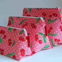 Retro Vintage Style Pink Polka Dot Cherries Medium Wash Bag. Great For Ladies