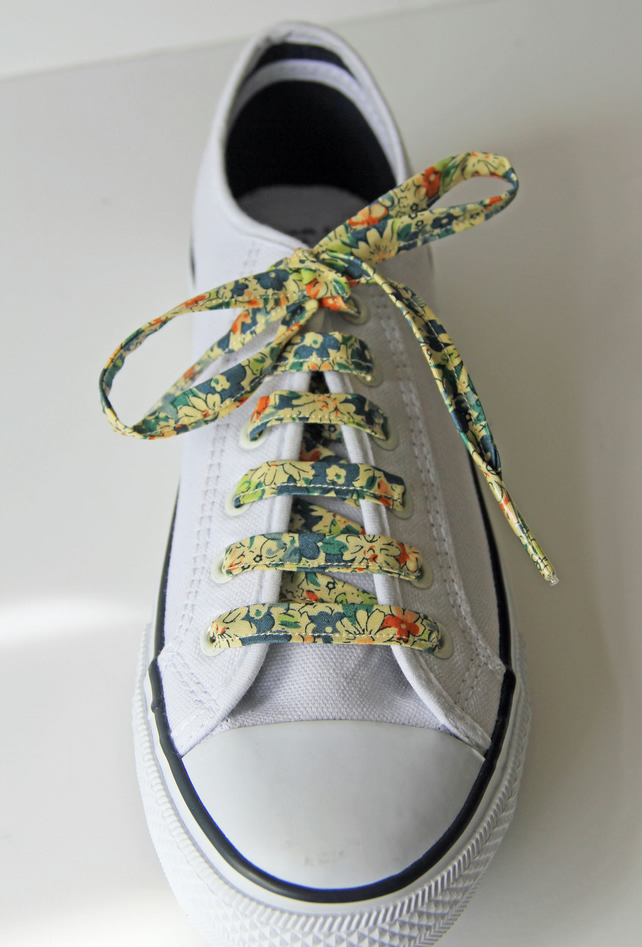 Vintage Style Blue and Cream Floral Patterned Shoelaces. Great Gift for Ladies