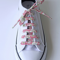 Vintage Style Pink Floral Patterned Shoelaces. Great Gift for Ladies and Girls