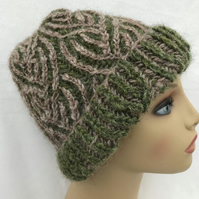 Reversible Alpaca Hat in Green and Fawn