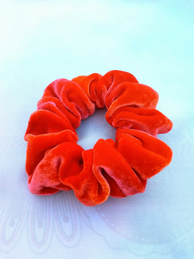 Chilli red scrunchie.