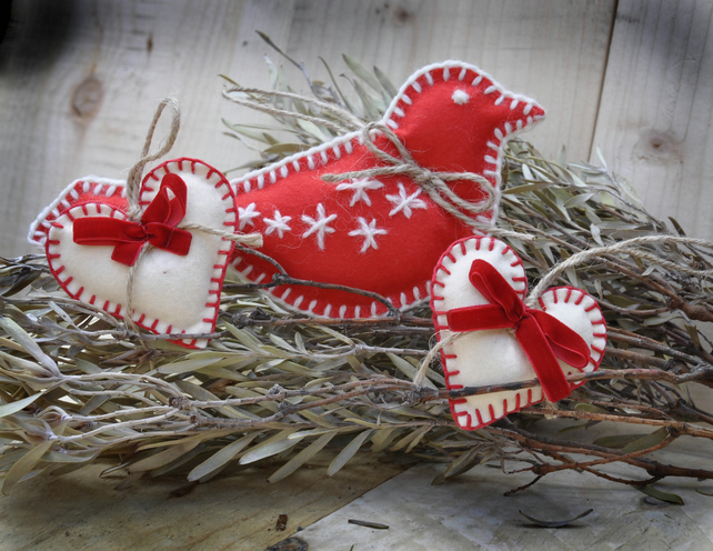 Felt Christmas Ornament Decoration Set - Hanging Bird and Hearts