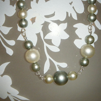 *SALE* Pearl Necklace