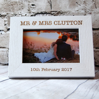 Personalised Wedding Photo Frame - Engraved Wooden frame - Custom keepsake 6x4