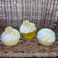 BANANA & HONEYED FIG - CUP CAKE SOAPS  039