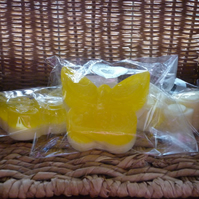 BANANA & HONEYED FIG - BUTTERFLY SHAPED SOAPS.  057