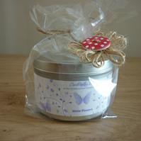 WHITE FLOWERS  -  NATURAL SOY SCENTED HANDMADE CANDLE - MEDIUM TIN - 024