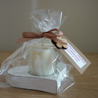 CRANBERRY, ORANGE & CINNAMON - WOODEN HEART CANDLE - NATURAL SOY SCENTED CANDLE.