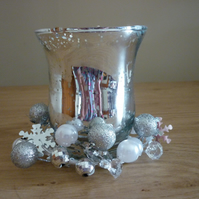 ORANGE & CHILLI - SOY CANDLE - SILVER CHRISTMAS CANDLE HOLDER AND CANDLE.