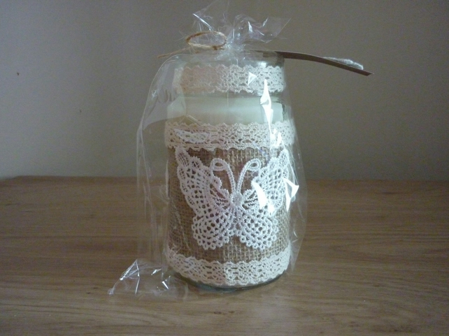 SWEET FIG  - SOY CANDLE - RECYCLED HESSIAN GLASS CONTAINER.
