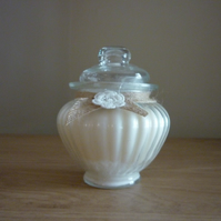 SWEET FIG - SCENTED SOY CANDLE - VINTAGE STYLE GLASS SWEET JAR CANDLE.