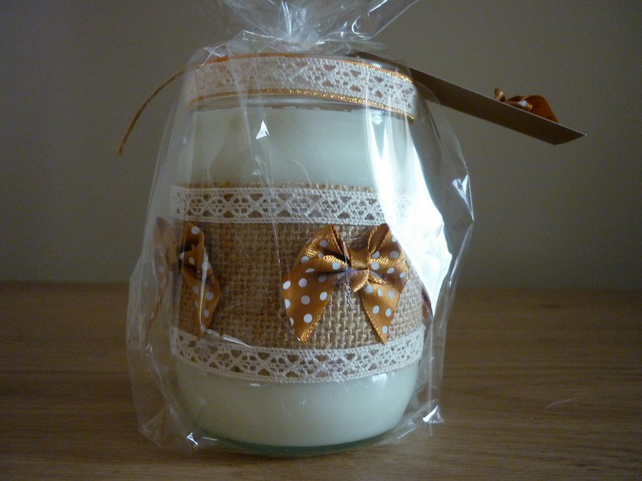 BLUEBERRY & VANILLA - SOY CANDLE - HESSIAN, VINTAGE LACE AND SATIN BOWS