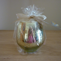 SWEET PEA - SCENTED SOY CANDLE - GOLD MOTTLED GLASS CANDLE HOLDER.