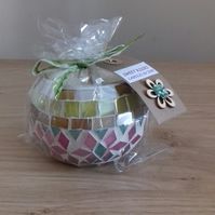 SWEET KISSES - SCENTED SOY CANDLE - GREEN & PINKS MOSAIC CANDLE.